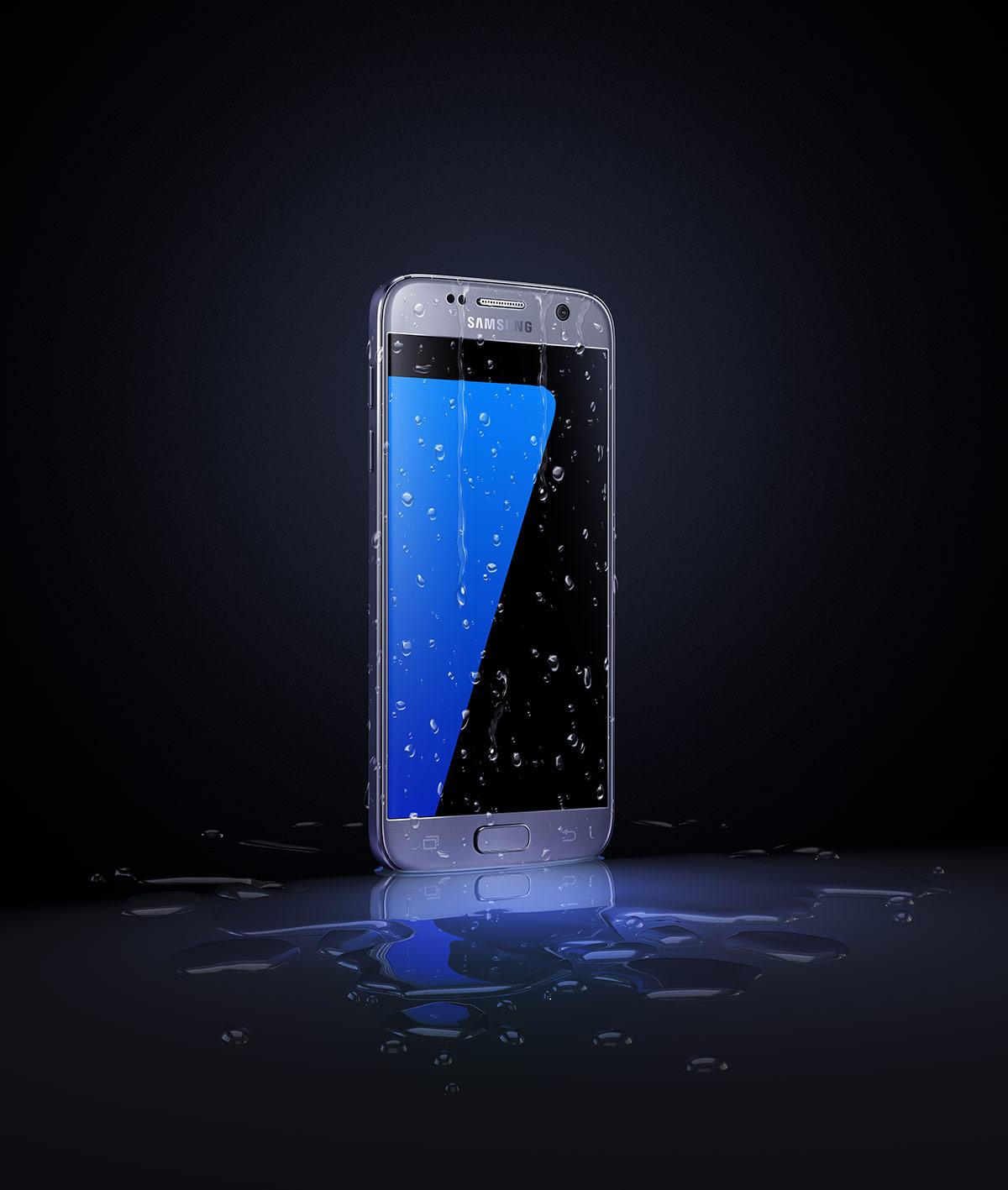 SamsungWetPhone_Night